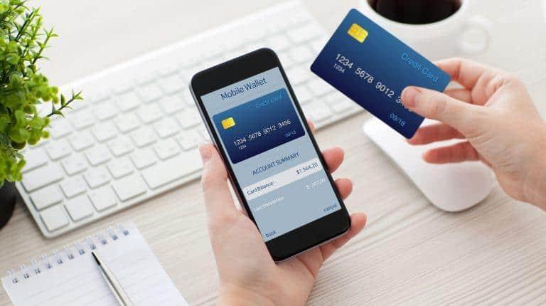 Chủ thẻ có nhiều quyền lợi khi giao dịch ngân hàng